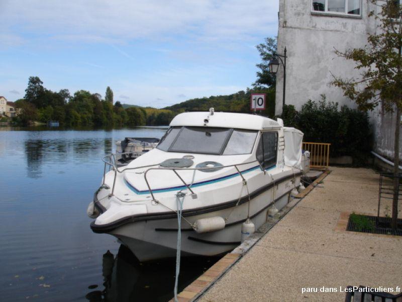 bateau fluvial habitable avec sa remorque vehicules lot et garonne. Black Bedroom Furniture Sets. Home Design Ideas
