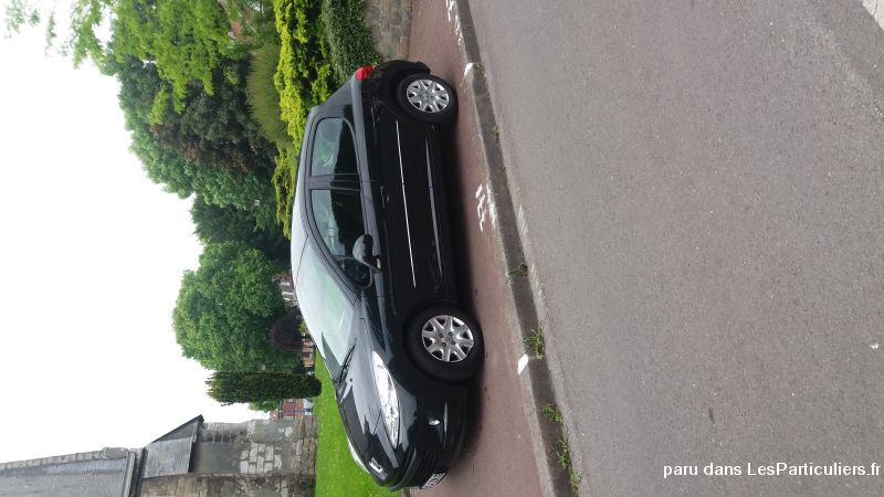 peugeot 207 1l4 hdi 70 fap phase 2 / 1 �re main  vehicules voitures nord