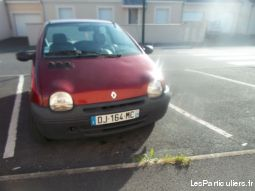twingo rouge vehicules voitures indre