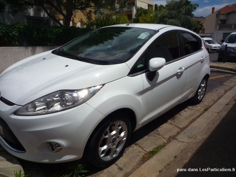 ford fiesta vi 5 portes 1.4 tdci fap 70 cv techno  vehicules voitures h�rault