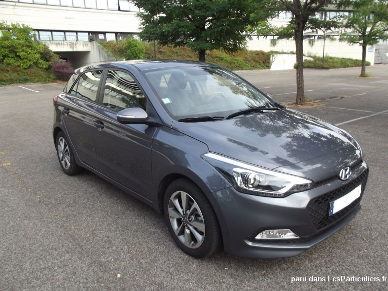 hyundai i20 edition 11300 km vehicules voitures doubs