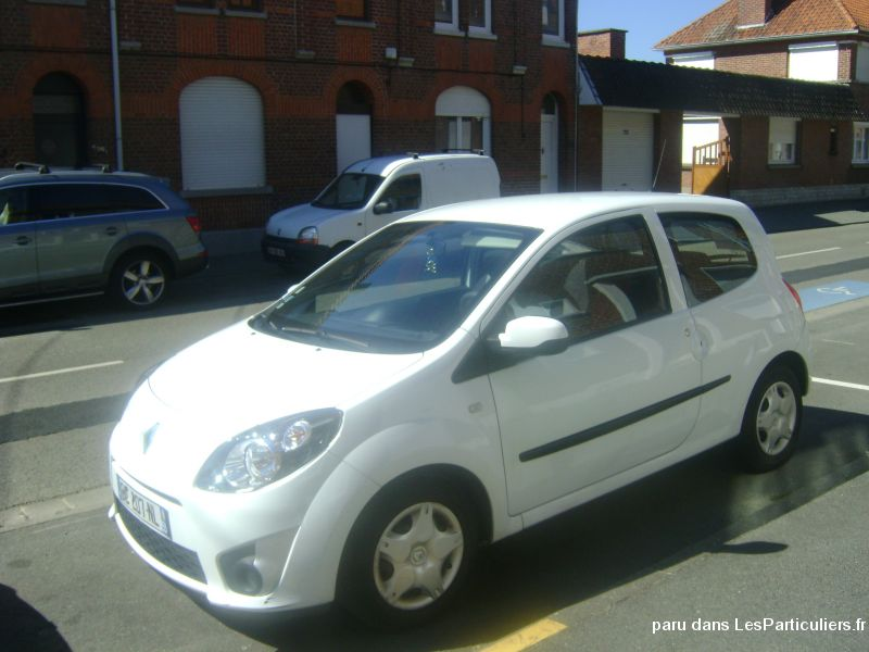 twingo ii 1. 2 lev 16 v 75 éco. 2 essence walkman vehicules voitures nord