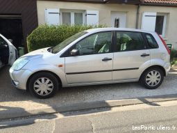 ford fiesta ghia grise vehicules voitures loiret