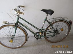 velo de collection mixte arc en ciel vert vehicules velos pyr�n�es-orientales