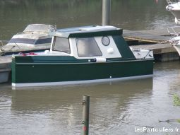 vedette fluviale vehicules bateaux yvelines
