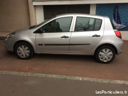 renault clio iii (2) 1.2 75 tomtom edition essence vehicules voitures yvelines