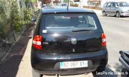Voiture berline volkswagen fox