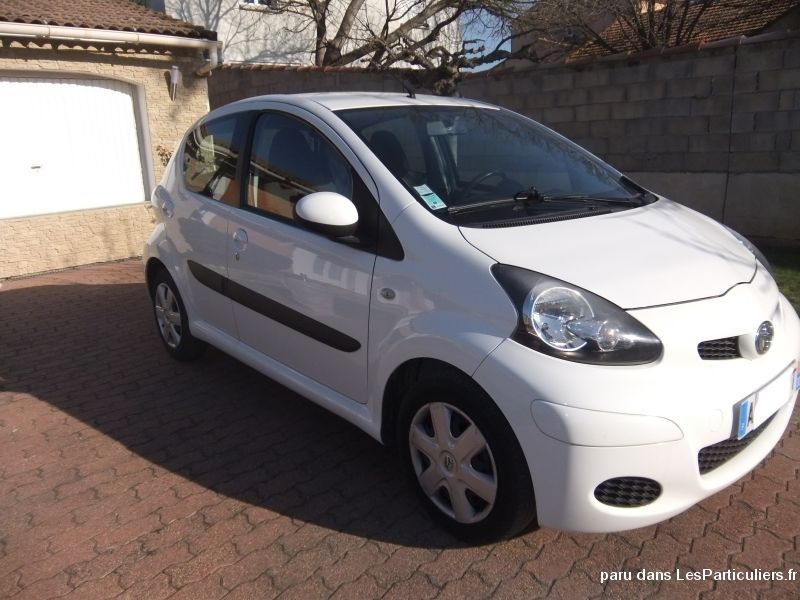 toyota aygo 5p 20400kms vehicules gard. Black Bedroom Furniture Sets. Home Design Ideas
