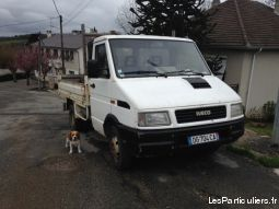 iveco  35 / 8 vehicules utilitaires aveyron