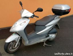 scooter honda dylan 125cm3 vehicules scooters côtes-d'armor