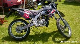 gilera 50 rcr vehicules scooters vienne
