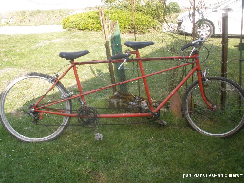 Ancien tandem rouge Vehicules Velos Moselle