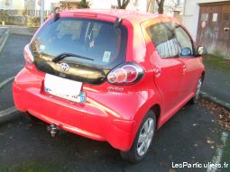 toyota aygo connect vehicules voitures charente