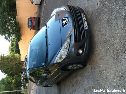 peugeot 207 hdi 90ch  vehicules voitures gard