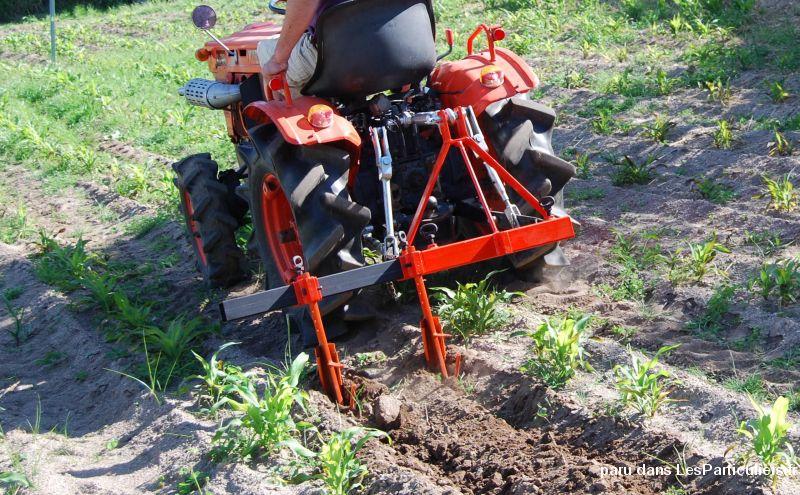arrache pomme de terre micro tracteur vehicules hauts de seine. Black Bedroom Furniture Sets. Home Design Ideas