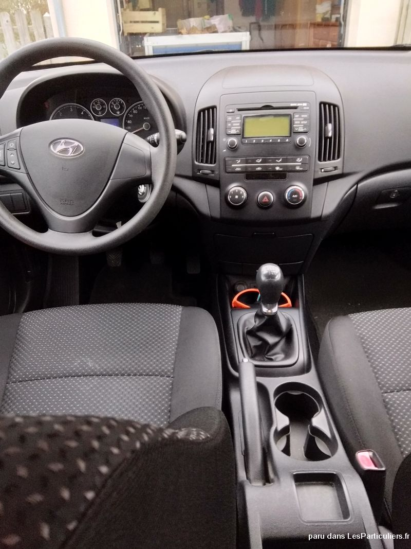 hyundai i 30 cw crdi 90 ch pack evidence 1.6 vehicules voitures ille-et-vilaine