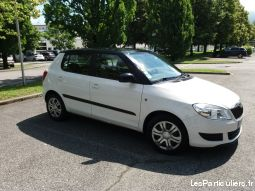 skoda fabia ambition 2 1.6l tdi crb blanc vehicules voitures isère