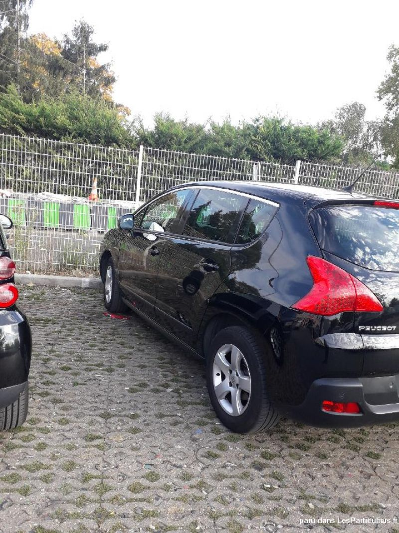 3008 noir 1. 6 HDI 115 BUSINESS PACK OCT 2013 Vehicules Voitures Seine-Saint-Denis