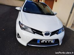 toyota auris style sport touring 136chx vehicules voitures isère