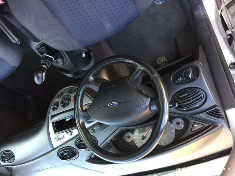 Ford focus 1.6 Vehicules Voitures Moselle