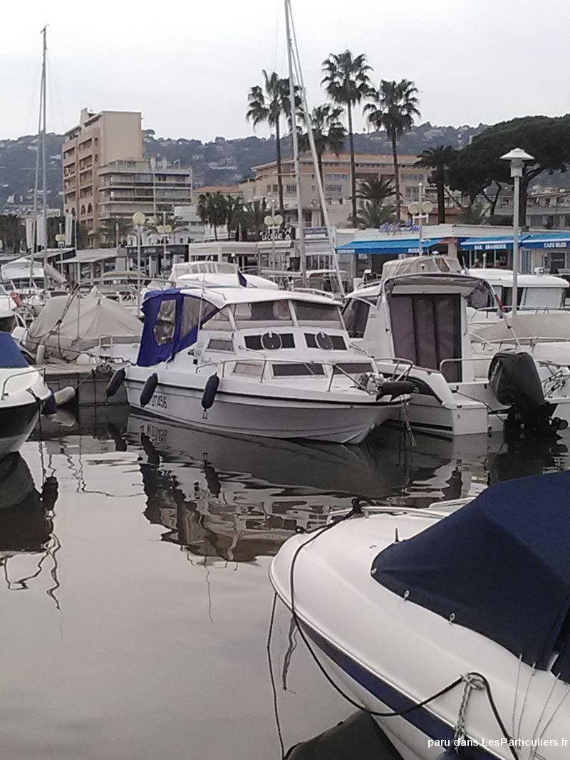 bateau de 6m50 sur 2m27 coque rocca v u00e9hicules bateaux