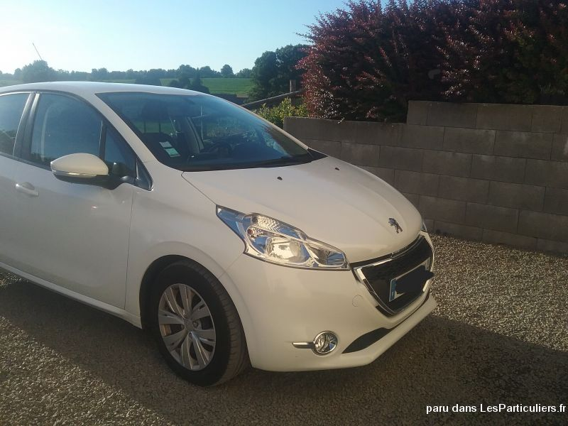 208 Peugeot  Vehicules Voitures Orne