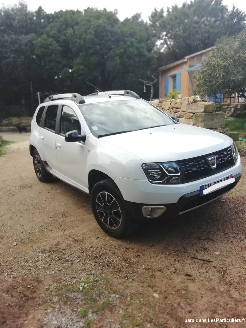 Dacia Duster édition Black Touch  Vehicules Voitures Gard