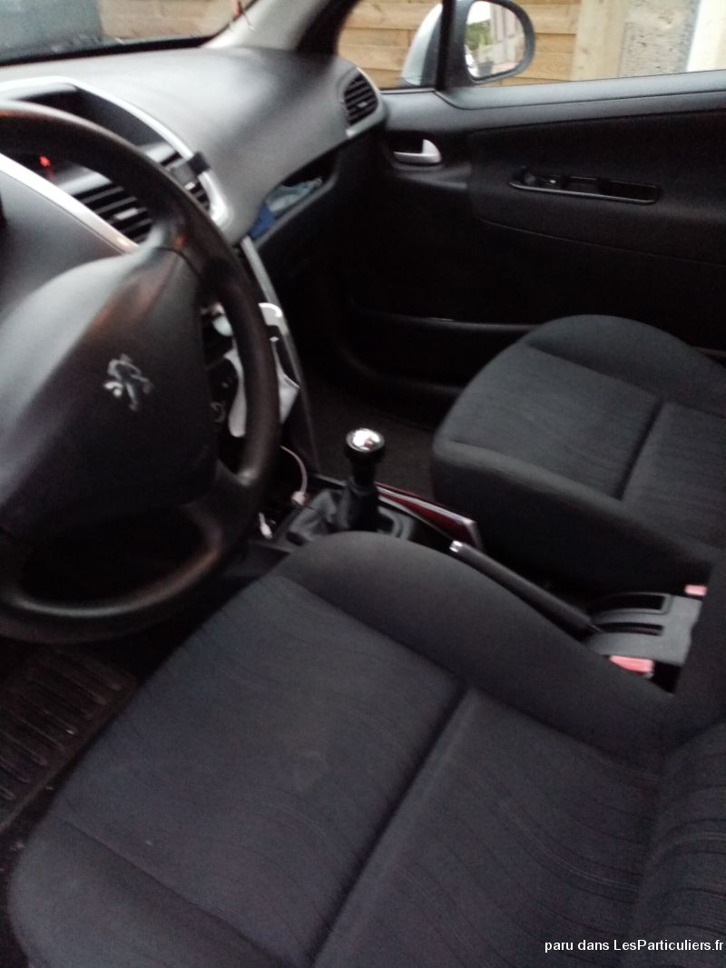 Peugeot 207 Vehicules Voitures Mayenne