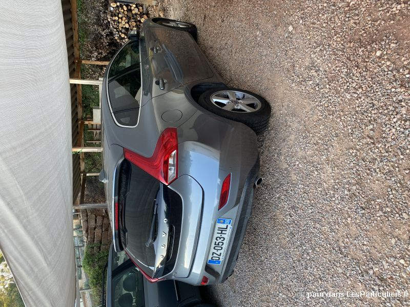 VOLVO V40 D4 190CV MOMENTUM GEATRONIC 8 AUTO Vehicules Voitures Var