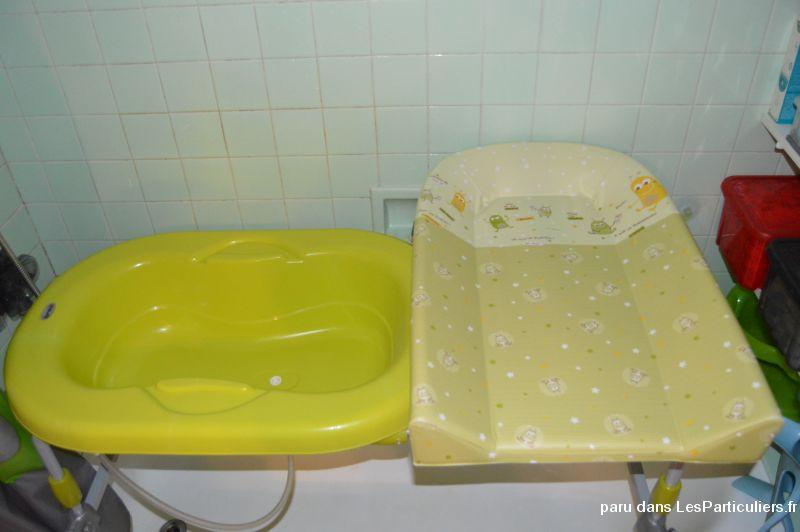 baignoire table a langer brevi enfant bebe jura. Black Bedroom Furniture Sets. Home Design Ideas