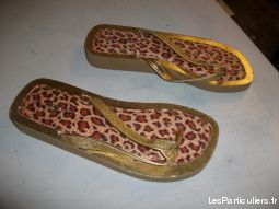 2 paires de Tongs dor�s pt 38 -neuves- � 2,50 �