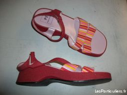 Sandales Rouge ray� Rose pt 38 � 4,50 �