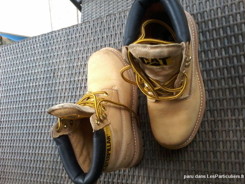 Chaussures caterpillar vetements et accessoires haute savoie for Garde meuble annemasse