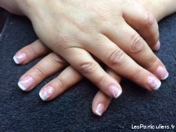 Pose de faux ongles en gel