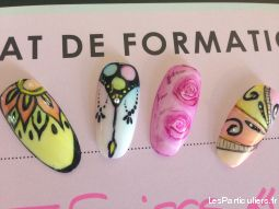 Pose d'ongles prothésiste styliste ongulaire