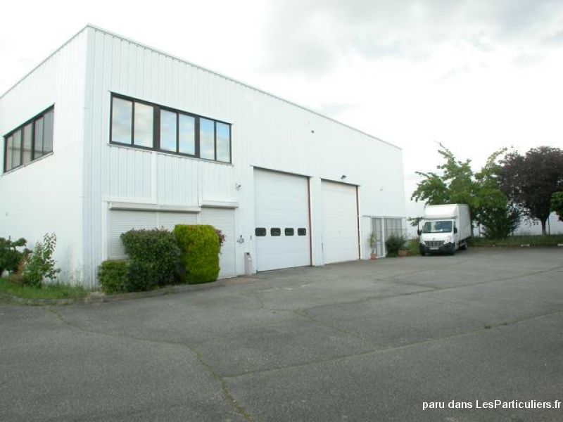 Local R+1 de 320m² + rochelle 160m²  690 000€ ou Location 2900€ par mois.