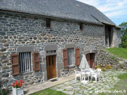 cantal au pied du puy mary auvergne immobilier location vacances cantal