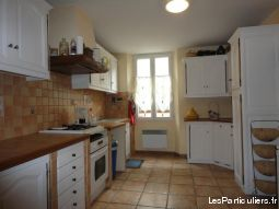 DUPLEX DANS MAISON DE VILLAGE TOURVES