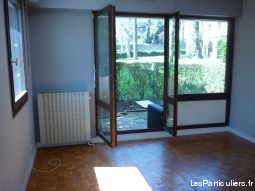 Appartement grand T2 63m2 non meubl� au 1er etage