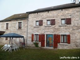 maison de caractere independante immobilier location vacances cantal