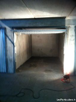 box ferm� dans un parking en sous-sol s�curis�.  immobilier garage parking cave seine-saint-denis