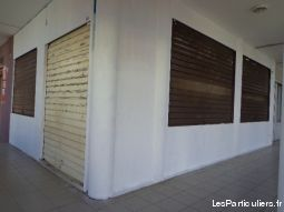 2 locaux 20 m² & 42 m² LA POSSESSION