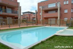 t2 standing, ascensseur, piscine port de plaisance immobilier location vacances corse
