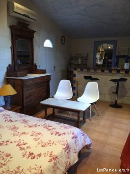 studio fourques immobilier location vacances gard