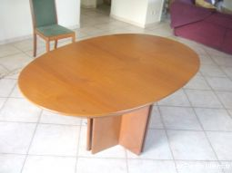 Belle table ovale