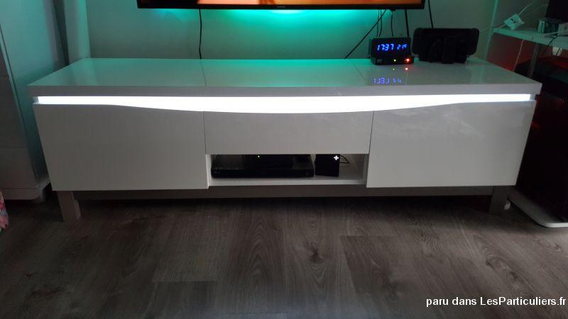 meuble tv design blanc laque maison et jardin essonnes. Black Bedroom Furniture Sets. Home Design Ideas