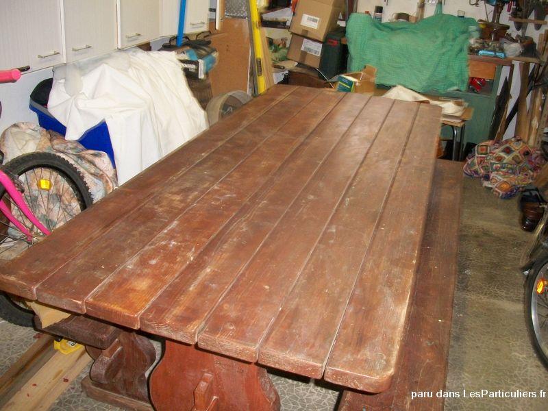 Table artisanal en bois avec deux bancs Maison et Jardin Côte-d\'Or