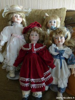 LOT POUP�ES PORCELAINE