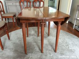 1 Table style Louis Philippe.