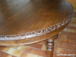 BELLE TABLE EN BOIS AVEC 2 ALLONGES